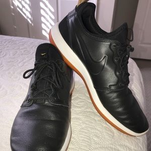 Nike Roshe leather trimmed shoes